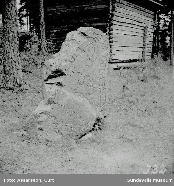 Runstenen från Sköle, nu vid  hembygdsgården, Tuna.