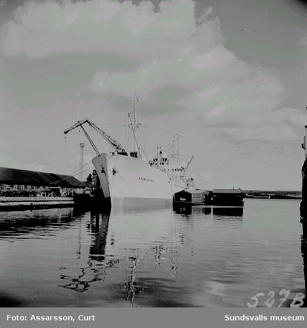 Bilder från hamnlivet i Sundsvall.