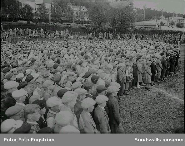 Svenska Flaggans dag, firas på idrottsplatsen.