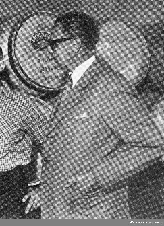 Fabrikschefen William Tibell på Papyrus i Mölndal på 1950-talet. Avfotografering ur Lars Herthelius, 50 år med Papyrus arbetare, 1958.