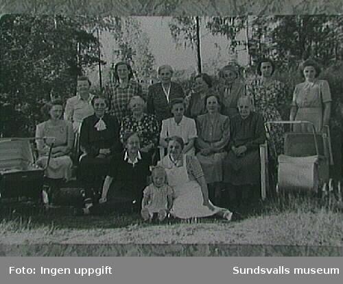 Kvinnomöte i Svartvik.