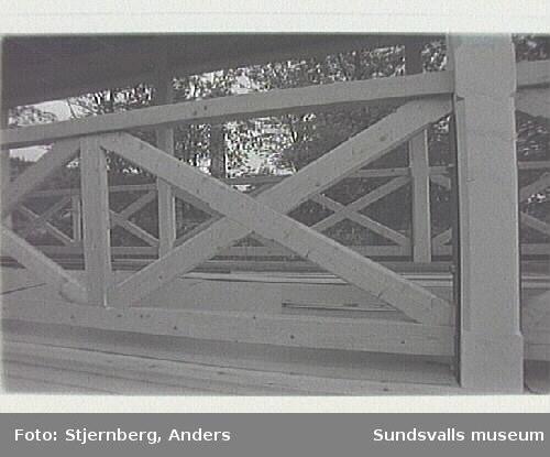 Svartviks herrgård. Den renoverade kägelbanan under uppförande.