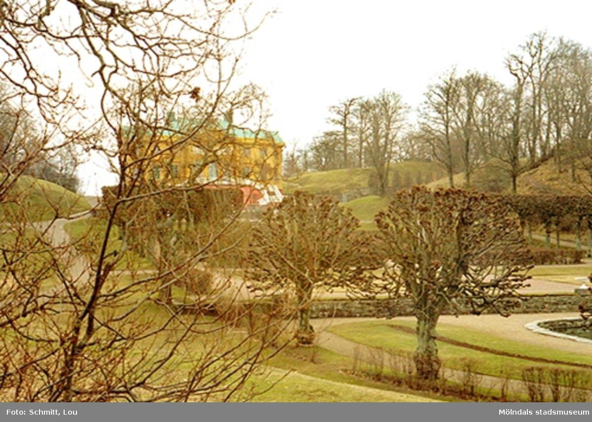 En del av parken vid Gunnebo slott.