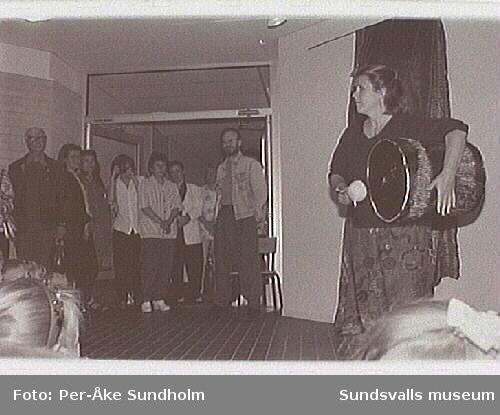 """Invigningen av Dag Wallins konsnärliga utsmyck-ning """"Inuit""""."""