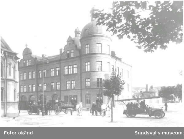 Brandbil på Skolhusallén- Köpmangatan.