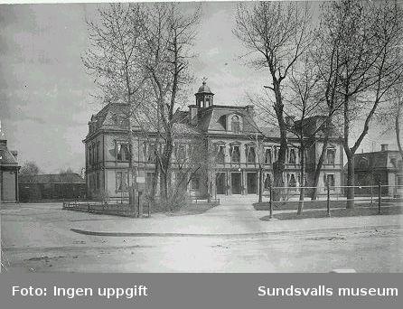"Sundsvalls gamla järnvägsstation, nu (1998) ""Spökhuset"""