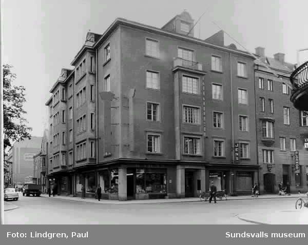 Bacchus, korsningen Storgatan-Strandgatan
