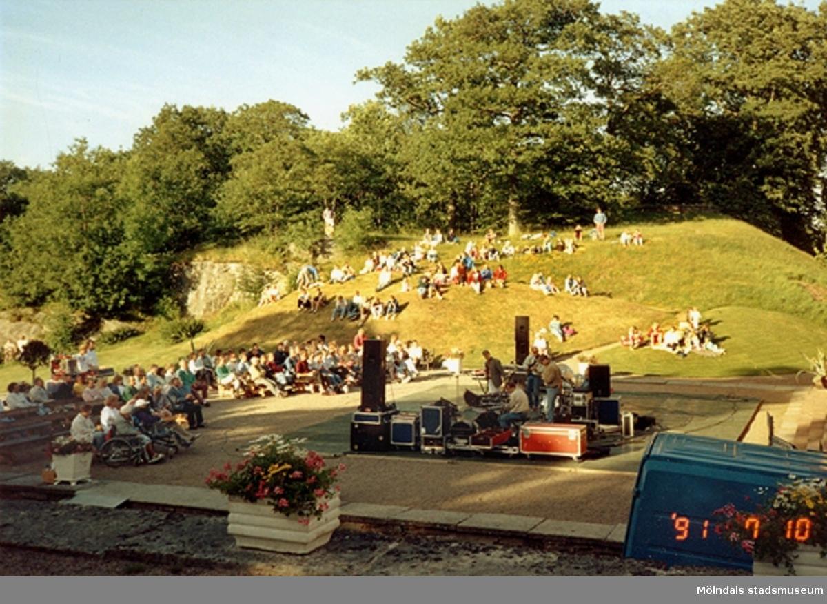 Konsert utanför Gunnebo slott, juli 1991.