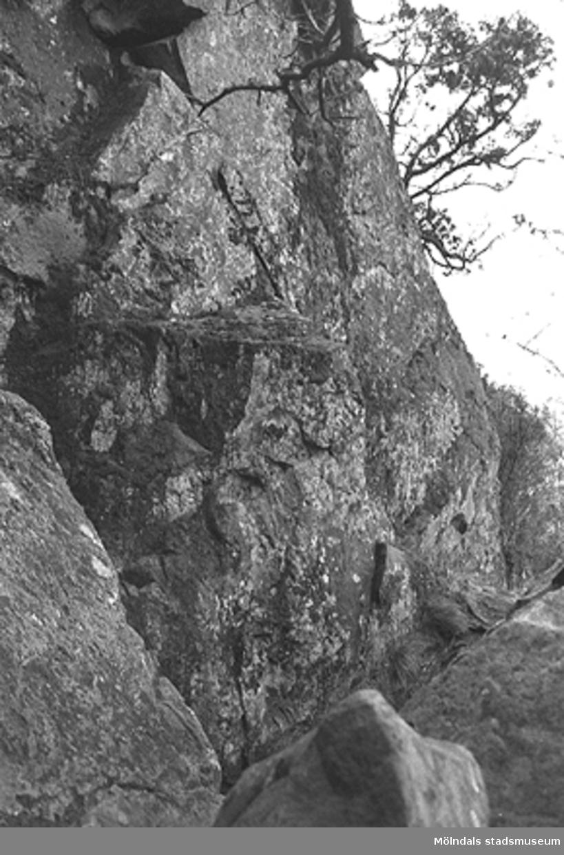 Börsåsberget i Hällesåker, mars 1993. Relaterade motiv: 2003_0236 - 0245.