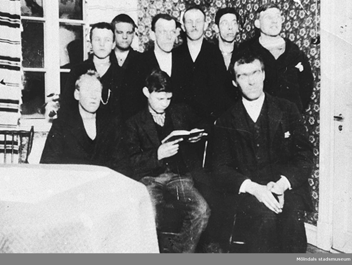 1925, Stretered. Elever från arbetshemmet.Givare är Karin Hansson f Pettersson