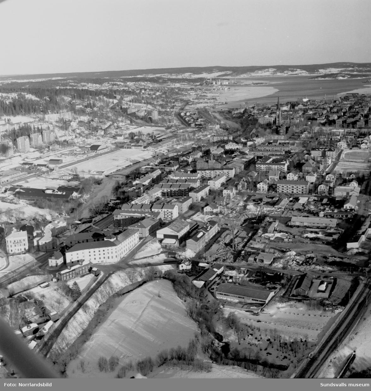Flygfoton över Grönborg och det påbörjade bygget av nya verkstadsskolan.