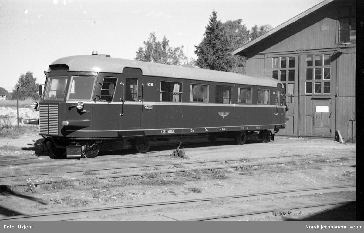 Dieselmotorvogn type 7 nr. 18281 ved levering