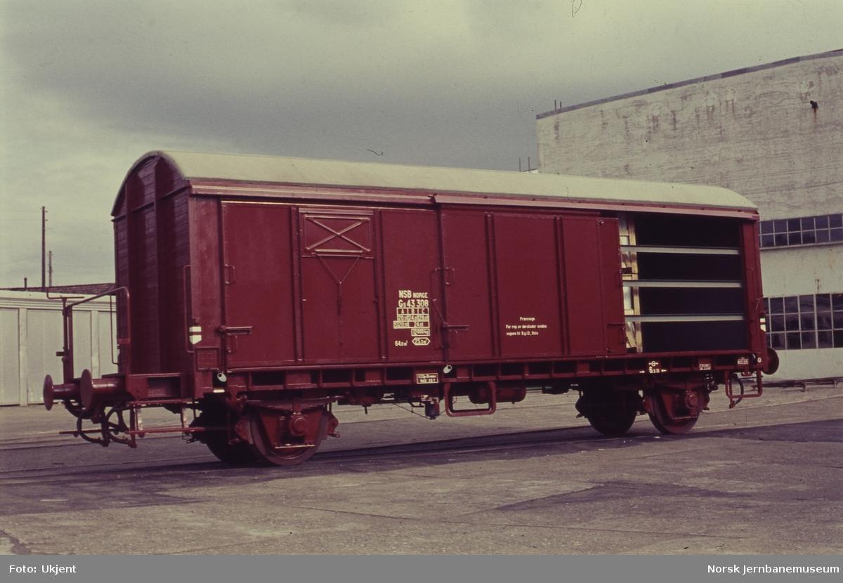 Lukket godsvogn litra G5 nr. 43308, prøvevogn med seks dører