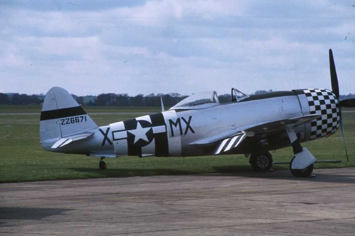 Ett fly på bakken, Republic P-47D Thunderbolt, MX-X 226671