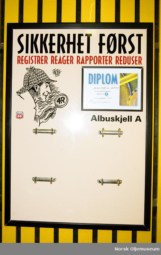 Albuskjell 1/6 A.  Safetytavle plassert i trappegang.