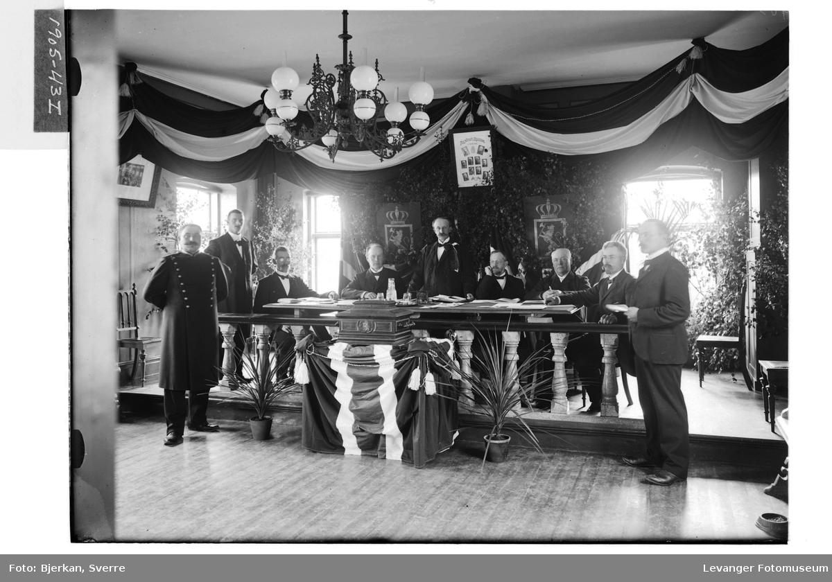 Stemmestyret 13. aug. 1905 i bystyresalen på Levanger