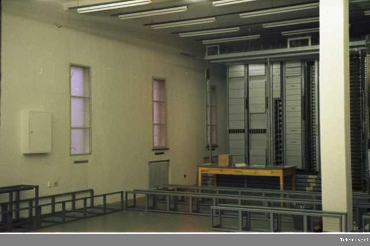 Sentraler.Div sentraler, interiør og utstyr, fotografert av Fø