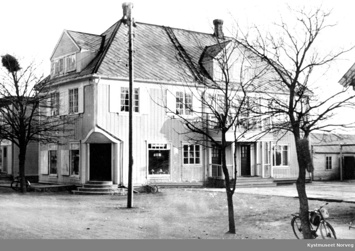 Kontorbygningen til Sigvart Fossaa på Rørvik