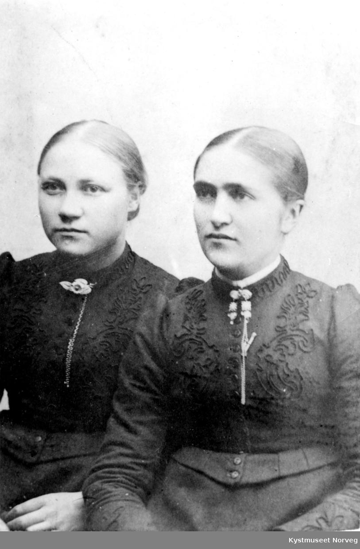 To ukjente unge kvinner