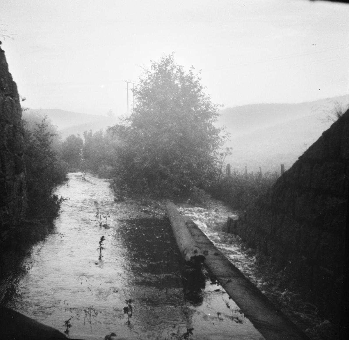 Oversvømmelse i Tertittens trase ved undergang Kongsvingerbanen