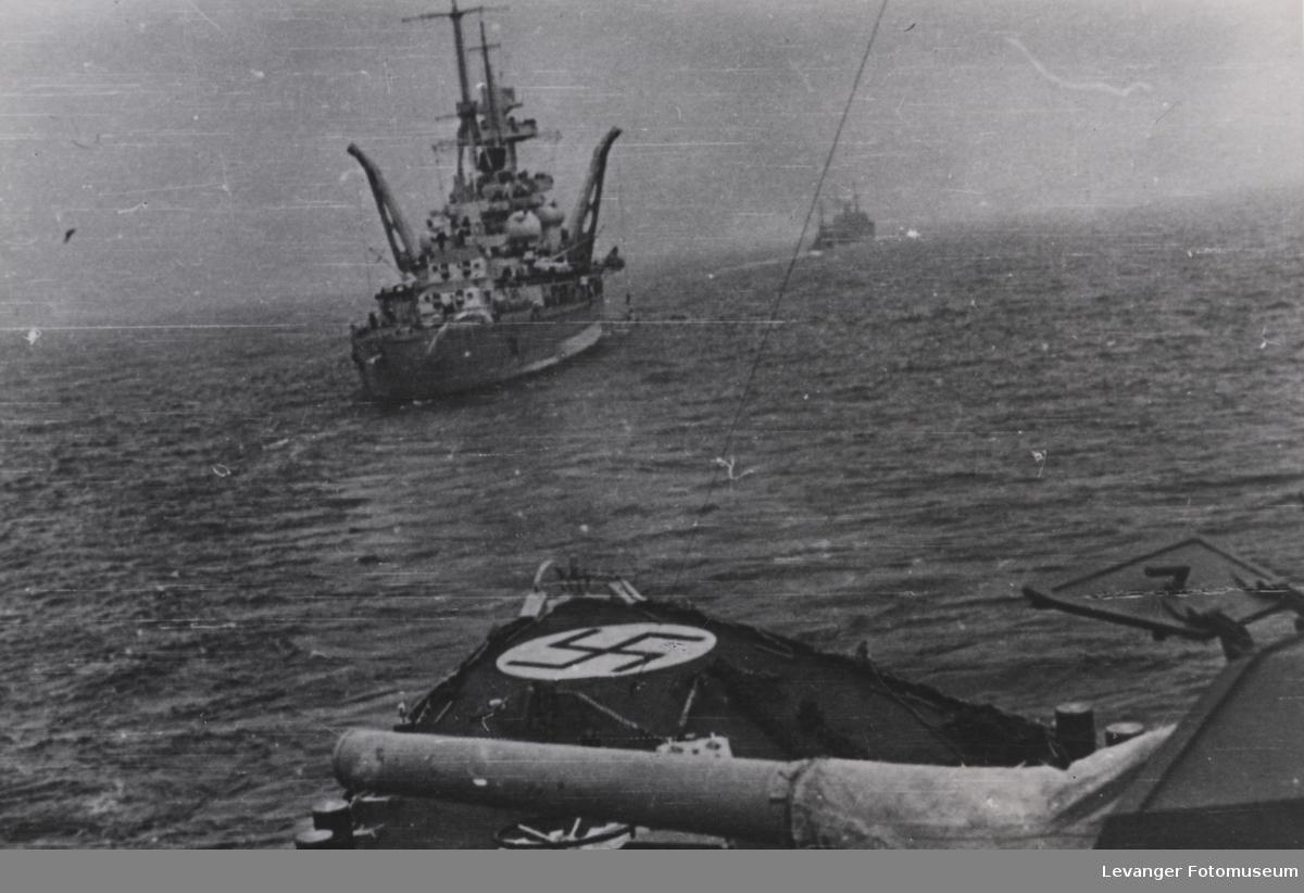 Admiral Hipper fotografert fra Z26 KarlGaster.