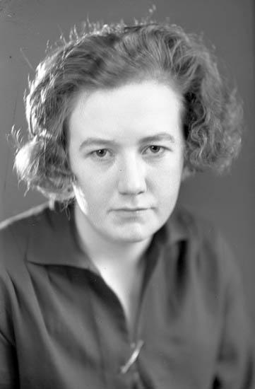 """Text till bilden: """"Fröken Marta Andersson""""."""
