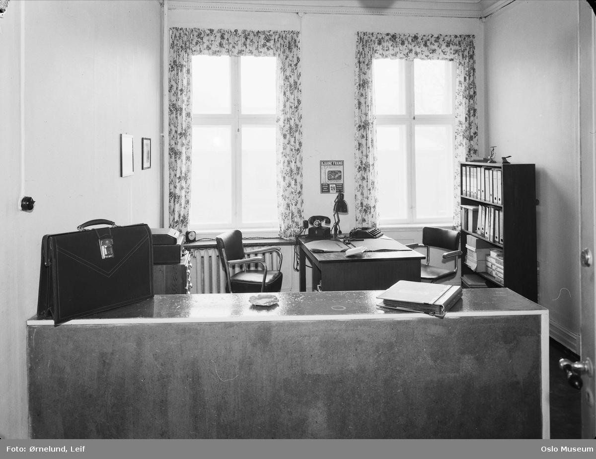 Odd Y. Jacobsen agentur, interiør, ekspedisjon, kontor