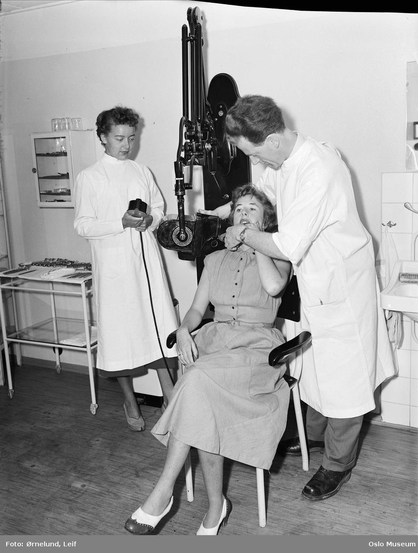 Tannlegevakten, interiør, mann, tannlege, kvinner2, pasient, tannlegeassistent, røntgenfotografering