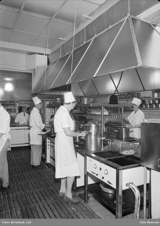 Hotell Viking, interiør, storkjøkken, kokker, kvinner, menn