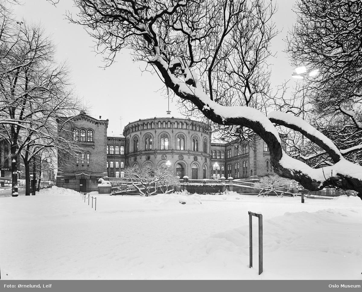park, Stortingsbygningen, snø