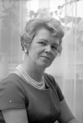 """Text till bilden: """"Fru Svensson"""". Samhör med album 4 bild 26"""