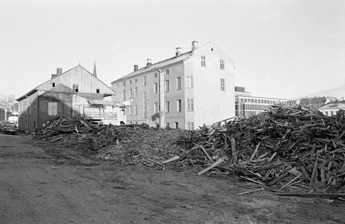 Riving av Åsgården, Stortorget, Hamar. Sanering.