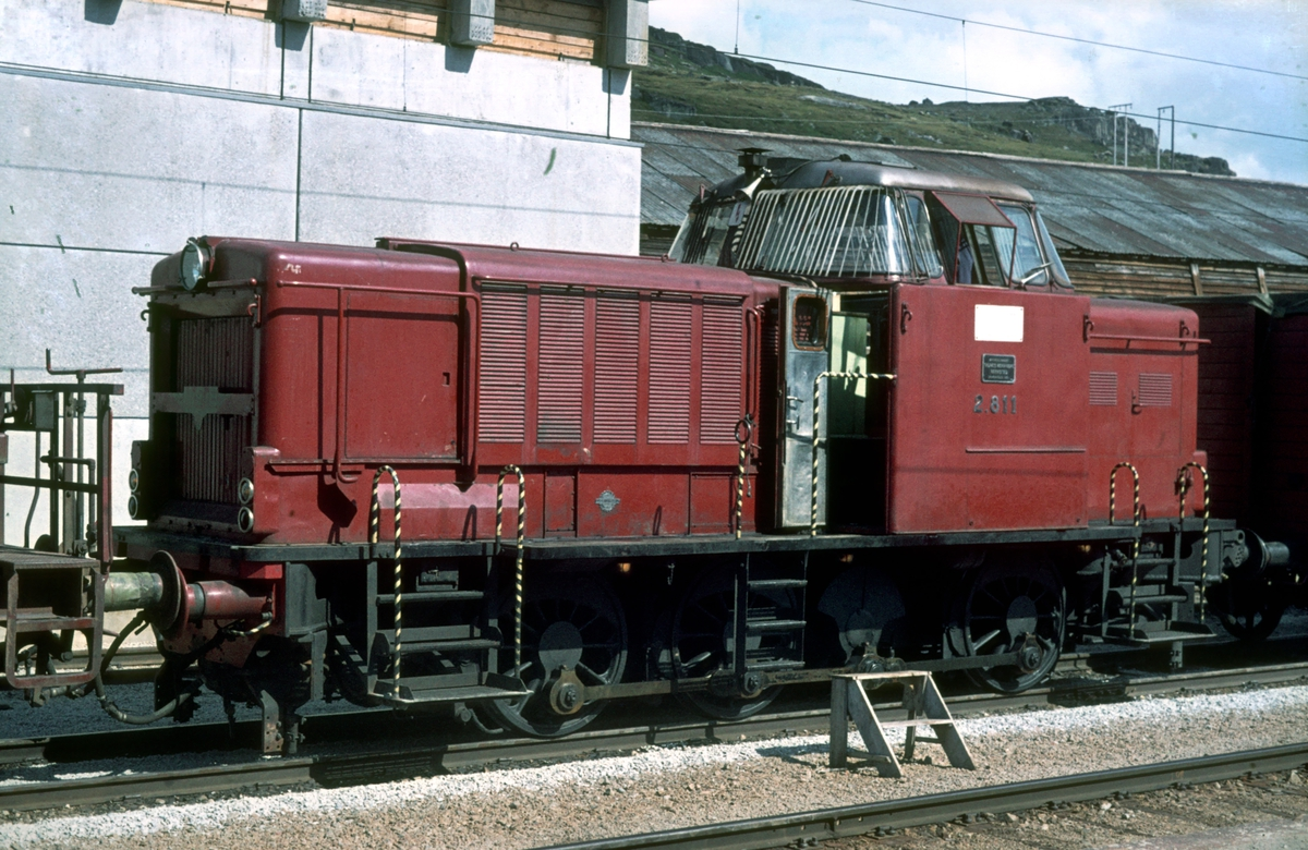 Bergensbanene. Finse stasjon. NSB diesellokomotiv Di 2 811.