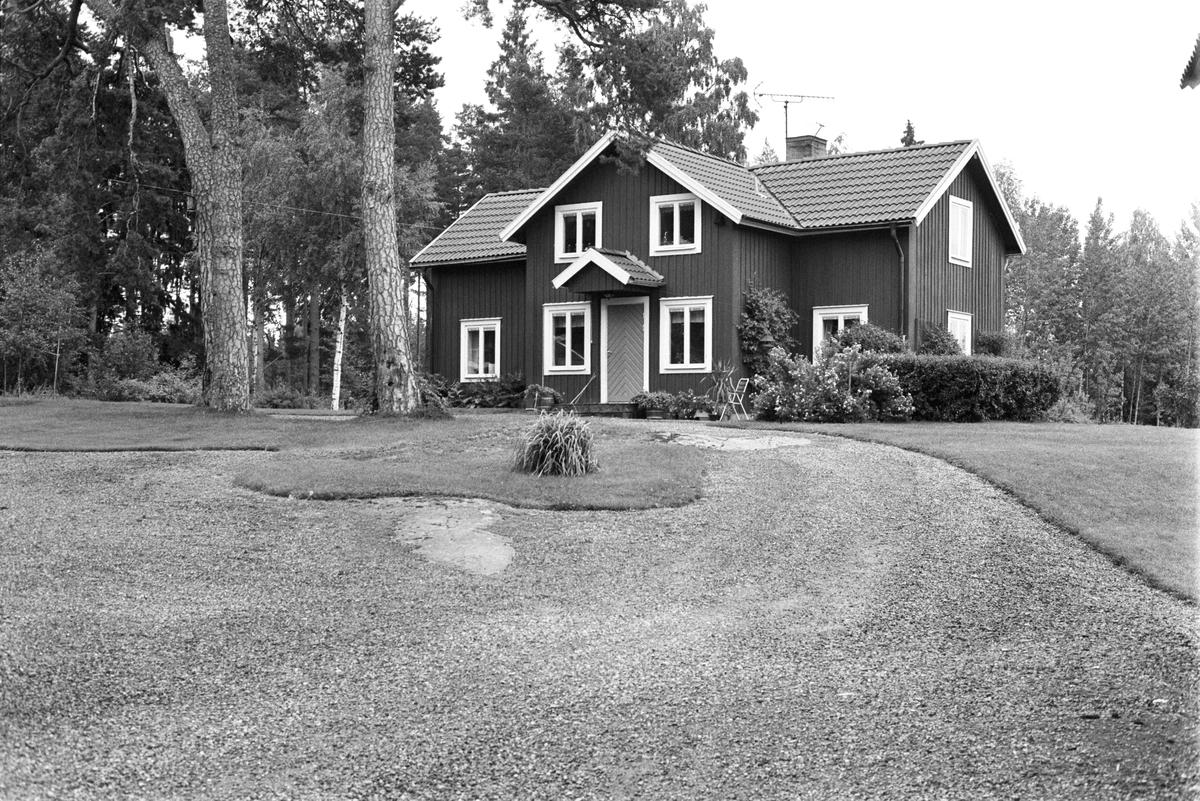 Bostadshus, Kvarntorp, Årby 1:2, Rasbokils socken, Uppland 1982