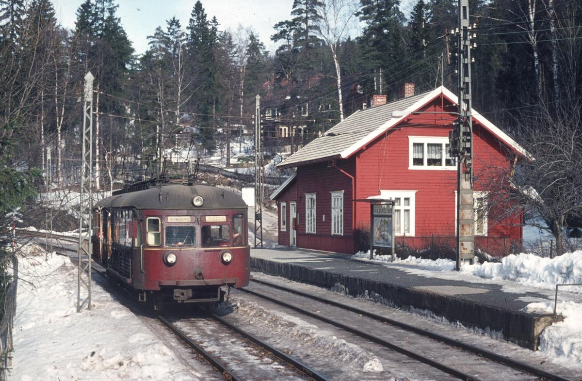 A/S Holmenkolbanen. Oslo Sporveier. Holmenkollbanen. Vogn 114, type 1939 (Skabo, Siemens Schuckert).