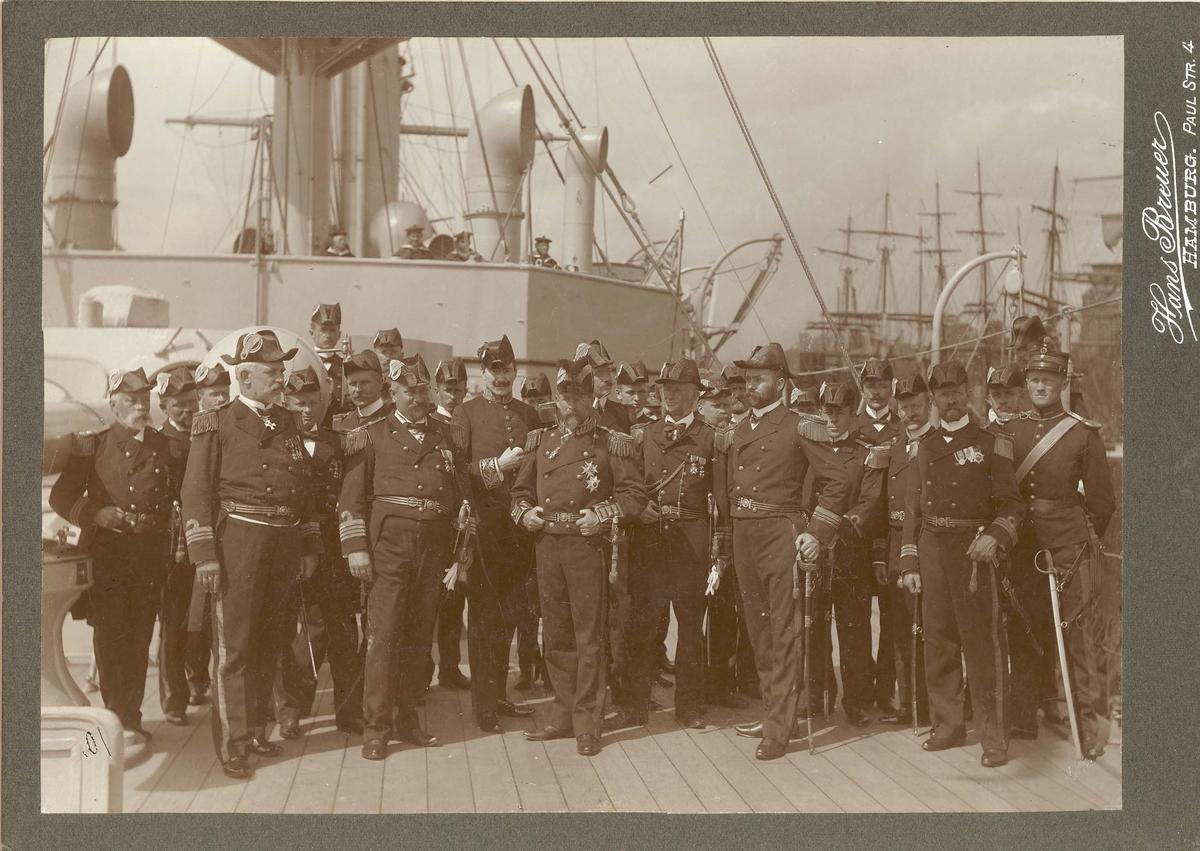 Motiv: Panserskipet EIDSVOLD i Hamburg 1904