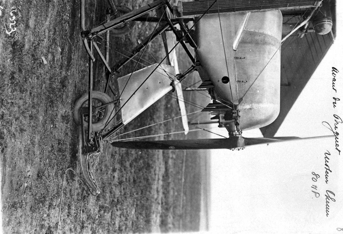 Ett fly på bakken, Breguet R.1. Detaljfoto av neseparti.