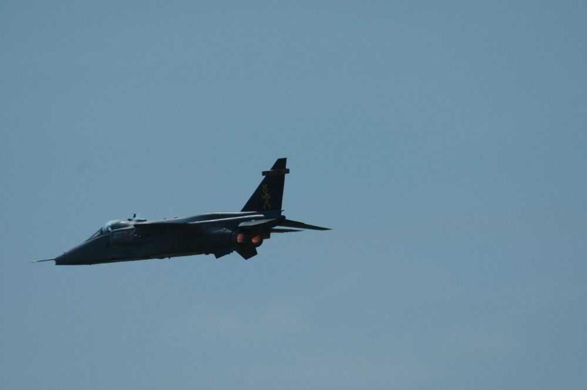 Ett fly i luften. SEPECAT Jaguar i fra RAF 16 squadron