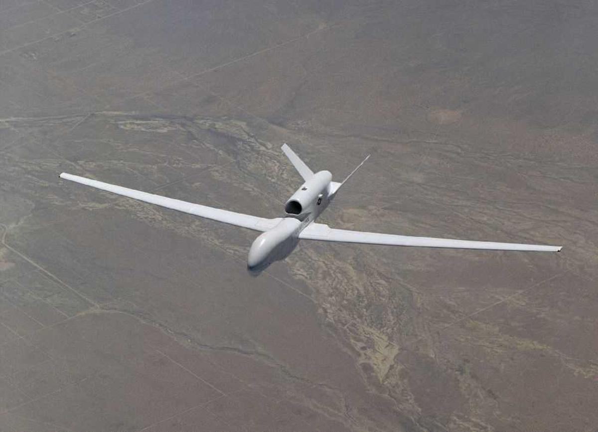 Ett fly i lufta fra US Airforce. Drone.