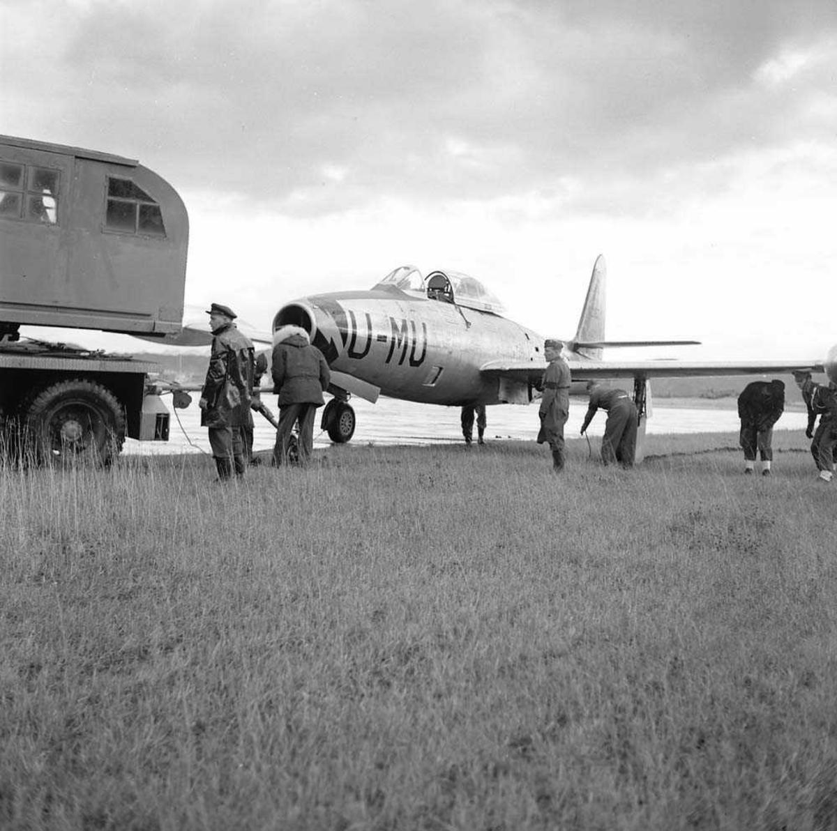 F-84-G, MU-U, utfor flystripen på Bodø flystasjon.