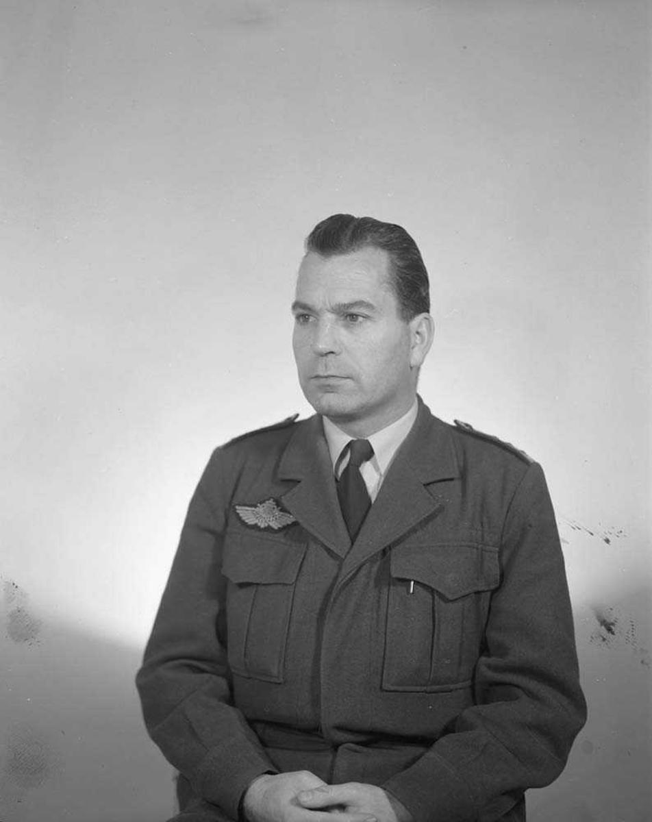 Portrettfoto av Oberst Heine Eriksen.