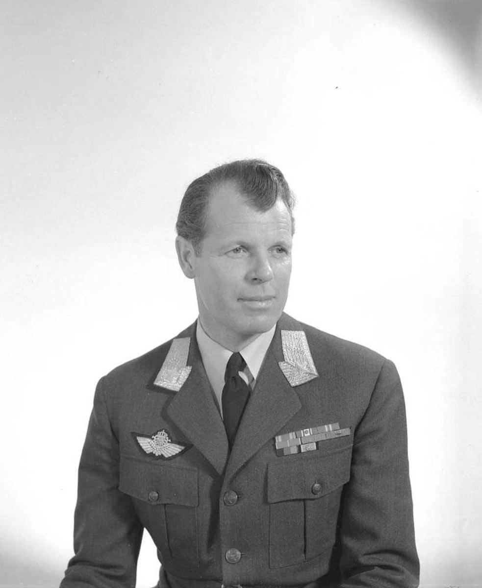 Portrett av LK-sjef General Major E. Tufte Johansen.