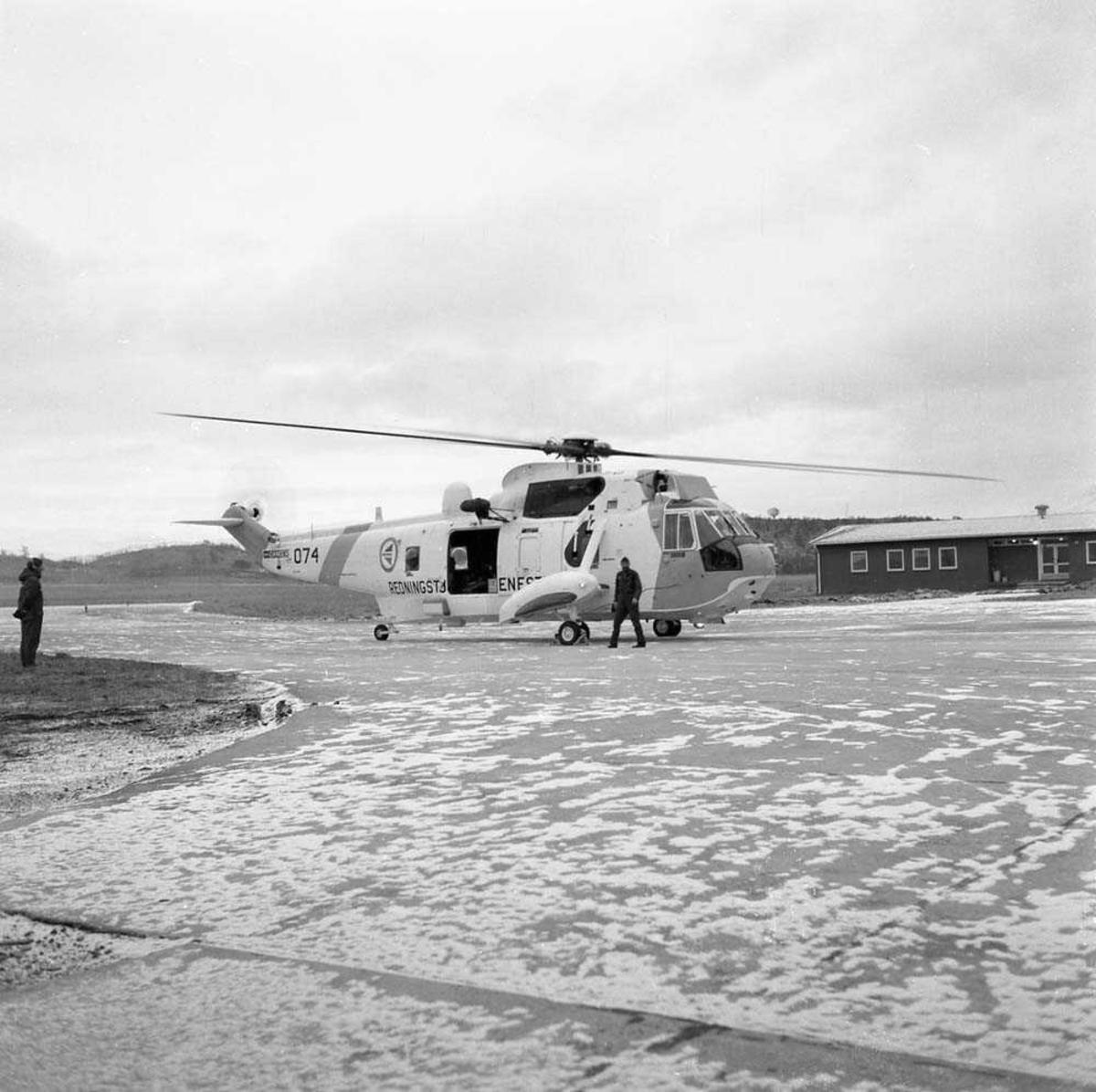Redningshelikopter Sea King, nr. 074, tilhørende 330 skvadron på Bodø flystasjon.
