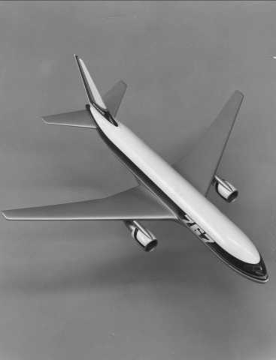 En modell av Boeing 767.