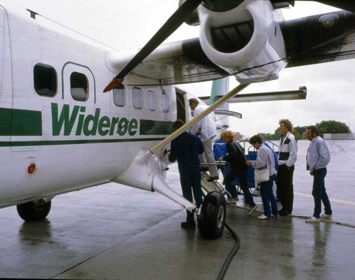 Lufthavn/Flyplass. Værnes/Trondheim, Avgang DHC-6-300 Twin Otter fra Widerøe.