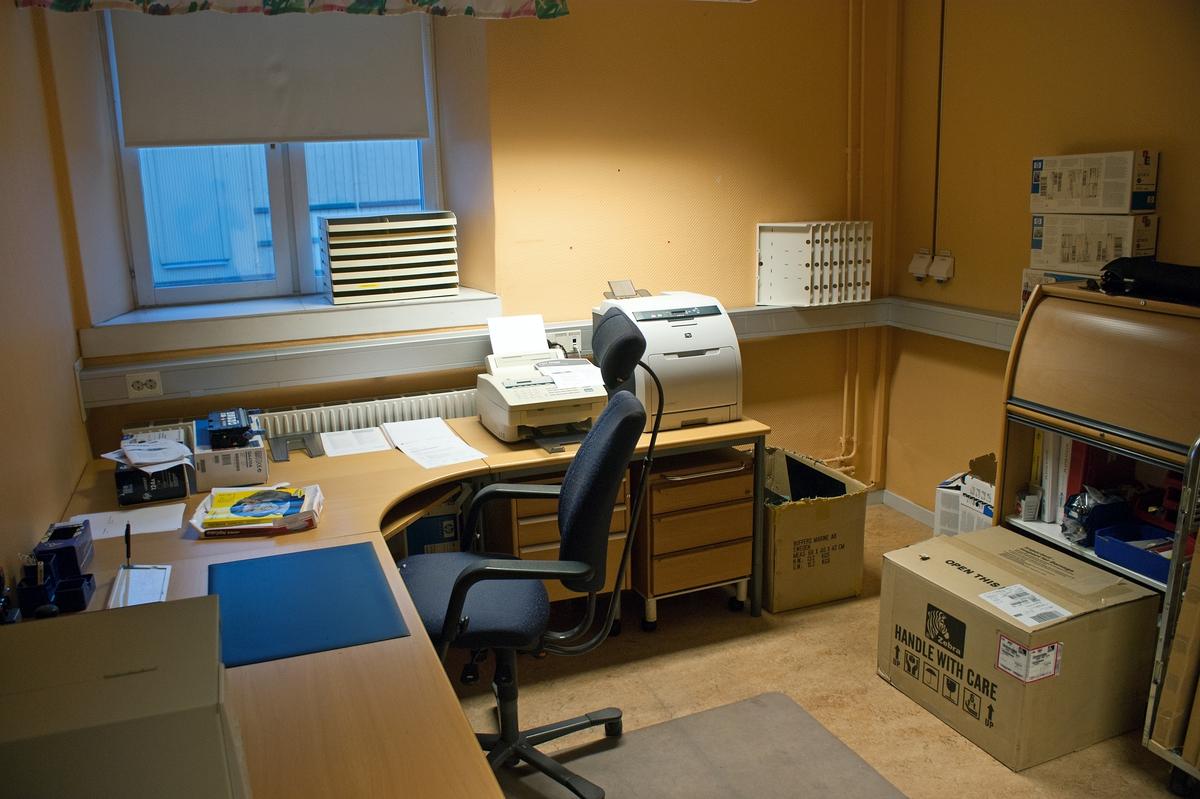 Övrigt: En dag på Örlogsbasen med Per Möllheden. Kontorsmiljö.