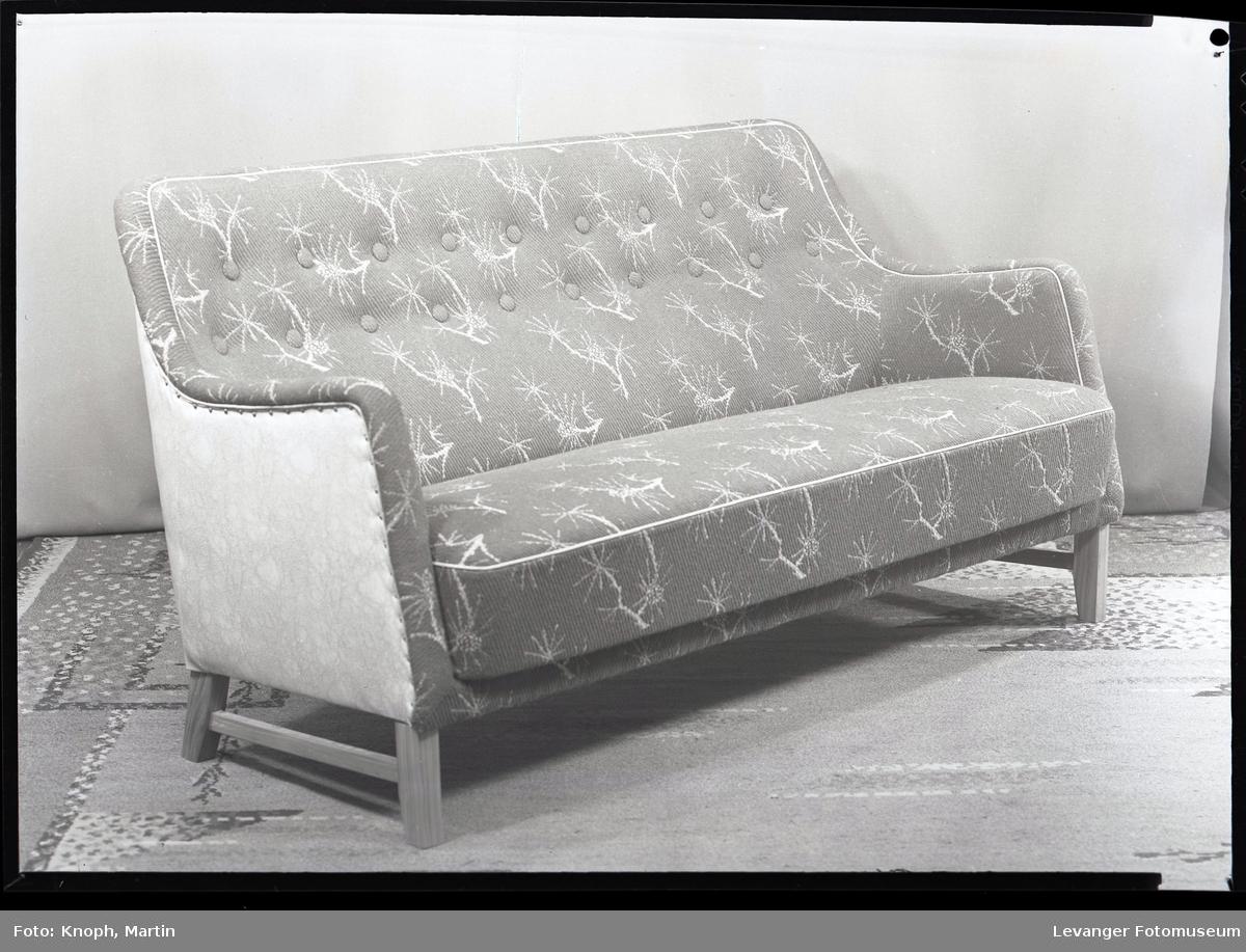 Møbel produsert av Nordenfjeldske stol og møbelfabrikk