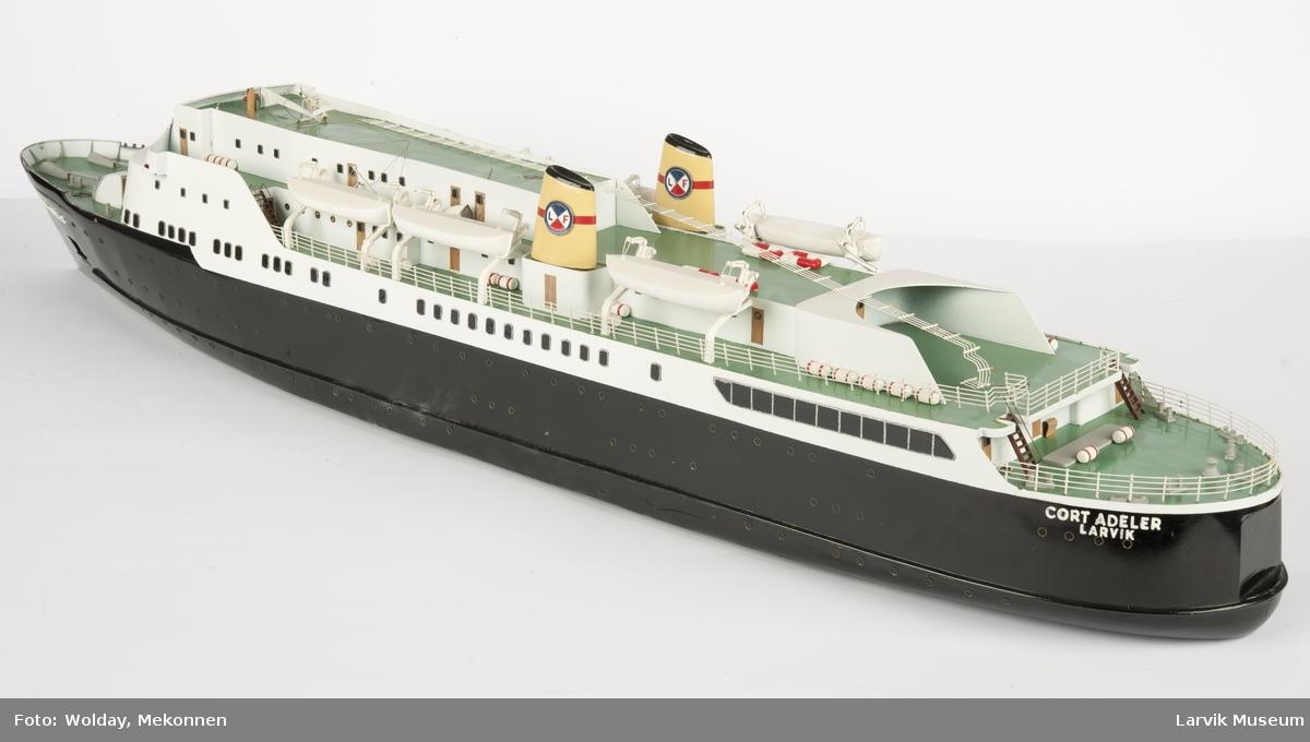 """""""Cort Adler"""", Larvik, Larvik-Fredrikshavn fergen."""