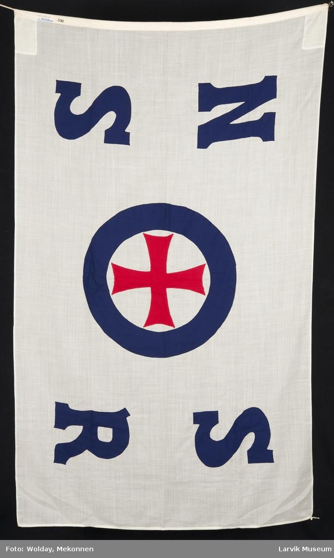Firmaflagg påsydd N S S R, glå ring m. rødt malteserkors.