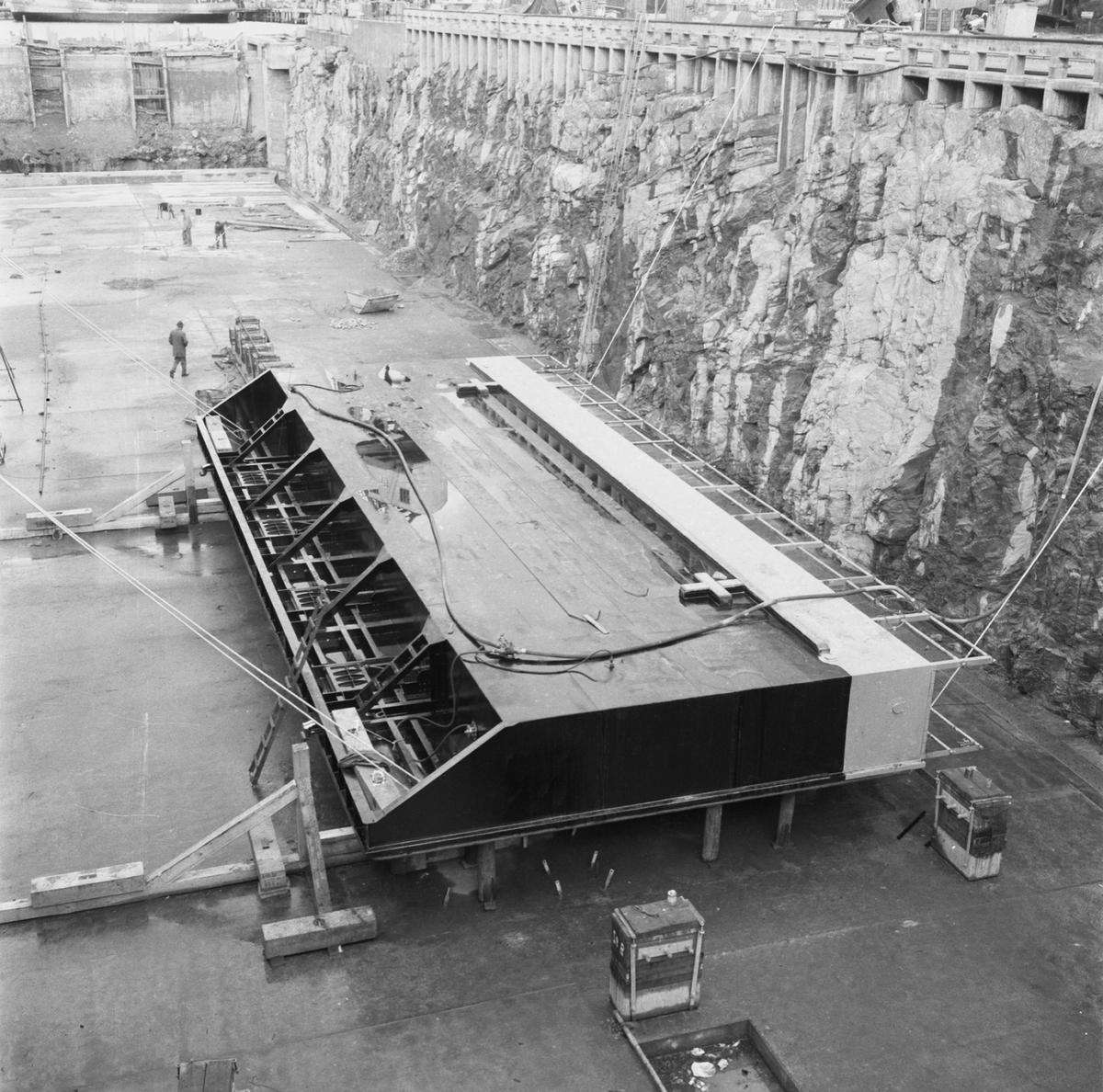 Övrigt: Fotodatum:30/10 1959 Byggnader och Kranar. Polhemsdockan ombyggn. arbete nya dockporten